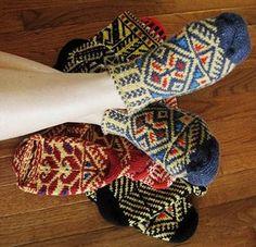 Bosnian Slipper Socks {Ethnic Knitting Adventures] : Knitty First Fall 2011 Crochet Socks, Knitted Slippers, Slipper Socks, Knit Crochet, Fair Isle Knitting, Free Knitting, Knitting Socks, Knitting Patterns, Crochet Patterns