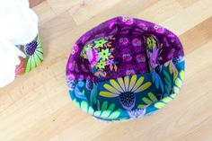 """How to Sew Easy Baskets with 10"""" Squares - Layer Cake Leftover Project! — SewCanShe Free Sewing Patterns Tutorials Small Sewing Projects, Sewing Projects For Beginners, Sewing Crafts, Easy Sewing Patterns, Sewing Ideas, Bag Patterns, Sewing Tips, Sewing Tutorials, Quilt Patterns"""