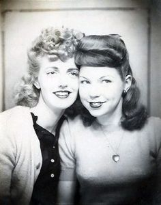 ** Vintage Photo Booth Picture **   Girlfriends, 1940s