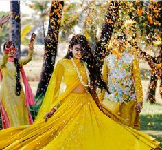Check the latest bridal outfit ideas for haldi ceremony. Most attractive and trending haldi ceremony outfits for brides you must check out once. Indian Wedding Photography Poses, Bride Photography, Wedding Poses, Photography Ideas, Wedding Ideas, Trendy Wedding, Wedding Pictures, Fitness Photography, Wedding Dresses
