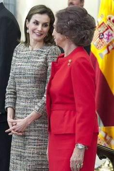 Queen Letizia of Spain Photos Photos - Queen Letizia of Spain (L) and Queen Sofia (R) attend the National Sports Awards 2015 at the El Pardo Palace on January 23, 2017 in Madrid, Spain. - Spanish Royals Deliver National Sports Awards 2015