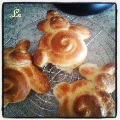Keskonmangemaman?: C'est bientot Pâques, le lapinou en brioche pour le goûter , et ode à Dorian mon cuisinier préféré ^^
