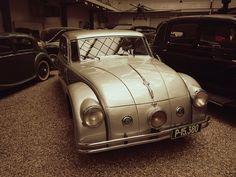 #car #prague #praha #czechrepublic #traveler #tourism #history #museum History Museum, Czech Republic, Prague, Tourism, Classic Cars, Vehicles, Travel, Turismo, Viajes