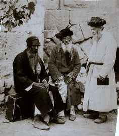 A selection of photos of Jewish life in the late 19th and early 20th century.