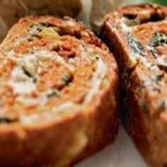 Farsbrød med spinatfyld. Brug evt svinekød i stedet for kalkun, og tilsæt også hytteost og champignon i fyldet. Sikkert god til kartoffelsalat med persille, skyr, honning, salt, peber og sennep!