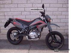 Malaguti X3M 125 Motard 2009 #1 Motard Bikes, Engine Types, Motorcycle, Vehicles, Art, Motors, Art Background, Kunst, Motorcycles