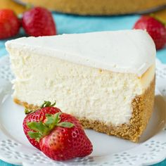 Thick, dense and ultra-rich, this perfect New York cheesecake is so easy it's fool-proof! Thick, dense and ultra-rich, this perfect New York cheesecake is so easy it's fool-proof! Tall Cakes, Bon Dessert, Salty Cake, Graham Cracker Crumbs, Savoury Cake, Cheesecake Recipes, Simple Cheesecake Recipe, Raspberry Cheesecake, Cheesecake Desserts