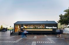 House of Häagen-Dazs (Federation Square, Melbourne and The Rocks, Sydney) by ArchiBlox