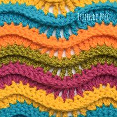 Crochet: punto pavo real tejido cambiando de color cada 2 hileras! Diagrama del punto pavo real en el enlace de la imagen :)