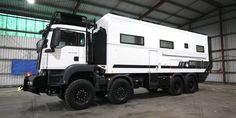 Million-Dollar, Two-Story SLRV Commander Is a Globetrotting Off-Road Specialist - The Drive Diy Camper, Truck Camper, Camper Van, Luxury Campers, Camping And Hiking, Rv Camping, Overland Trailer, Adventure Campers, Off Road Camper