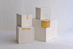 Cubes porcelaine avec or © Agnès Nivot #céramique #ceramic #ceramics #SalonRevelations #handmade #faitmain