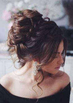 The Pretty Braided Updo Wedding Hairstyle To Inspire You Braided Bun Hairstyles, Sleek Hairstyles, Trending Hairstyles, Hairstyles For Round Faces, Braided Updo, Messy Updo, Short Hairstyles, Haircut Styles For Women, Short Haircut Styles