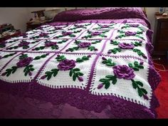 How to Make Crochet Blanket Afghan Bouquets Model.In this Afghan Bouquets baby blanket model, crochet work also valued this mix of.Floral afghans bring the beauty of nature into your home. Learn how to make a gorgeous floral crochet blanket . Crochet Afghans, Crochet Bedspread, Crochet Quilt, Crochet Squares, Crochet Granny, Crochet Motif, Crochet Flowers, Crochet Baby, Crochet Solo