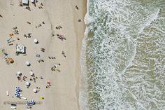 Está calor por aí? http://www.fotografiasaereas.com.br/blog/foto-aerea-praia-capa-livro-fim-fernanda-torres/