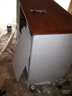 How to paint laminate furniture, including real wood looking top!
