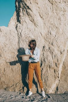 stripped_blouse-camel_trousers-lack_of_color_hat-wanderlust_jewels-matador_beach-malibu-golden_goose_sneakers-street_style-collage_vintage-107