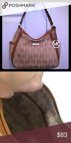 2bd8cd44a438 MK Handbag MK Handbag in good condition. Pre owned. Dust bag included. Make