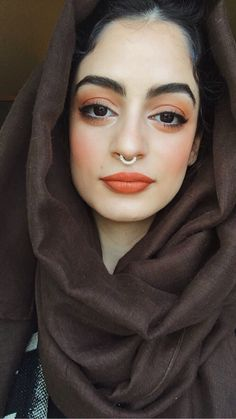 me: *full face of makeup & nowhere to go* (deets ⬇️) [[MORE]]lips: Miami Fever by Ofra cosmetics eyes: Morphe 35O palette- mostly the orange & red shades on the top right & the fine gold shade as an...