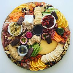 10 Things to Create the Perfect Wedding Grazing Table Cheese Platters, Food Platters, Wedding Reception Appetizers, Cobb Loaf, Food License, Grazing Tables, Wedding Table, Wedding Buffets, Delicious Fruit