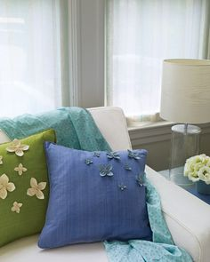 """Favorite Sewing Projects See the """"Floral Pillows with Ultrasuede Petals"""" in our Floral Decorating Ideas gallery - Store-bought cushions spring to life when adorned with pretty, handmade Ultrasuede florets. Diy Throw Pillows, Cute Pillows, Floral Pillows, Decorative Pillows, Felt Pillow, Felt Cushion, Style Japonais, Martha Stewart Crafts, Mood Fabrics"""