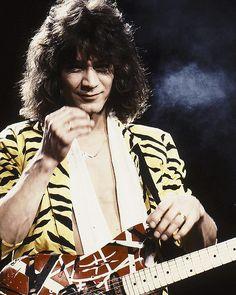 """241 Likes, 2 Comments - Eddie van halen Photos (@eddievanhalenphotos) on Instagram: """"❤❤❤ #eddievanhalen #rockgod #guitarlegend #hardrock #80s #vintage #evh #rockstar #vanhalen…"""""""