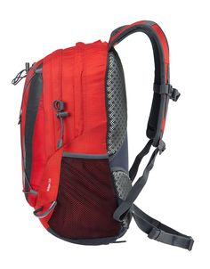 """Perfect for days out on the hill and packed full of features. Equipped with our """"Cross Vent"""" back panel, our Edge range of packs are designed purely for comfort and practicality."""