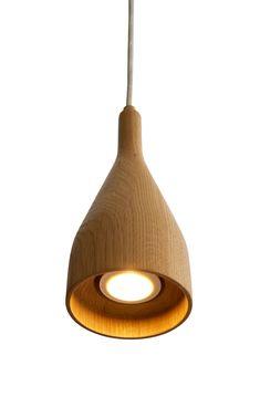 Bestel nu uw Hollands Licht Timber Hanglamp Medium met 10% korting voor 151.20 EUR op Flinders.nl! De Timber hanglamp medium van Hollands licht wordt gemaakt in een sociale onderneming in Den Haag, waar mensen werken die een afstand hebben tot de arbeidsmarkt. De kap van de Timber hanglamp medium heeft een diameter van 10 centimeter en is 22,9 centimeter lang. Het plafondkapje is 10 centimeter breed en 6,5 centimeter lang. De lamp heeft, afhankelijk van hoelang je het snoer maakt, een… Led Lamp, Holland, Ceiling Lights, Lighting, Medium, Wood, Design, Home Decor, Products