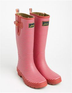 Love these wellies! Red stripe outside with yellow and blue stripe interior. Joules Wellies, Wellies Rain Boots, Hunter Wellies, Hunter Boots, Best Rain Boots, Wellington Boot, Beautiful Shoes, Rubber Rain Boots, Fashion Shoes