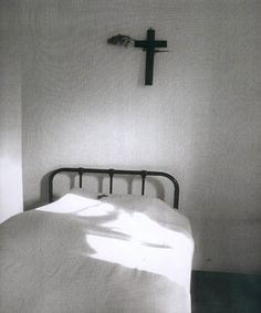 """photodocumenta: """" Ann Noble Cell in the Monastery, 1989 """" A Little Life, Aesthetic Images, Documentary Photography, Artistic Photography, Documentaries, Unmade Bed, Religion, Amon, Level 3"""