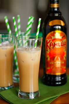 Iced Kahlúa Pumpkin Spice Latte -- this boozy version of a Pumpkin Spice Latte is the perfect indulgence for fall weekend afternoons!