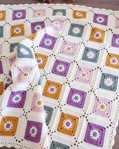 Bebek battaniyesi bitti ve cok tatlı oldu hayırlı ramazanlar olsun hepimize ipim alize coton gold...Bu battaniyenin sahibi var ama…