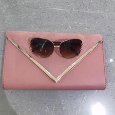 Classic brown sunglasses :) #anytimeglasses #anytimesunglasses #sunglasses #fashion #eyewear #ootd #korean #koreanstyle #clutch #fashionsunglasses #california #pink #aldo
