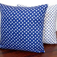 Artisan Pillows 20-inch Geometric Crosshatch Indigo Reversible Modern Accent Pillow
