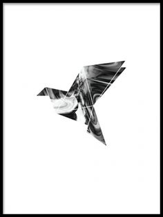 A trendy and stylish graphic and modern art poster. A motif  of a geometric dove, that is perfect to balance out a more colourful decor in your home. This print will look amazing in a wall art collage with out motifs in similar style. Mix and match for a personalized style.  www.desenio.co.uk