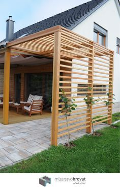 wooden outdoor shade structure for small corner areas Diy Pergola, Outdoor Pergola, Pergola Kits, Backyard Patio, Backyard Landscaping, Modern Pergola, Small Pergola, Pergola Roof, Corner Pergola
