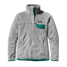 The Patagonia Women's Re-Tool Snap-T® Pullover is our quintessential fleece made with Polartec® Thermal Pro® to keep you warm all season long.