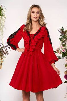 Rochie Rosie in Clos cu Decolteu in V din Voal Dresses With Sleeves, Lei, Long Sleeve, Shopping, Fashion, Moda, Sleeve Dresses, Long Dress Patterns, Fashion Styles