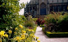 Arundel Castle Gardens Arundel Castle, William The Conqueror, The Beautiful Country, Medieval Castle, 19th Century, Wedding Flowers, Castle Gardens, Restoration, Floral Design
