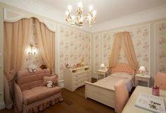 classic kids room