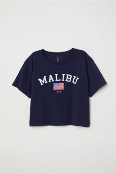Short T-shirt - Dark blue/Malibu - Ladies Teenage Outfits, Teen Fashion Outfits, Outfits For Teens, Trendy Outfits, Girl Outfits, Emo Fashion, Lange T-shirts, Mode Grunge, Belly Shirts