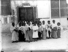 Filipino school children, 1900-1901