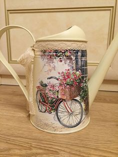 Decoupage Tins, Decoupage Furniture, Decoupage Vintage, Painted Milk Cans, Paint Cans, Diy Bottle, Bottle Crafts, She Shed Decorating Ideas, Rustic Crafts