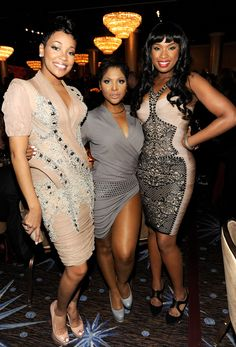 Monica, Toni Braxton and Jennifer Hudson. Are Jennifer and Monica really that tall or is Toni Braxton just that short?