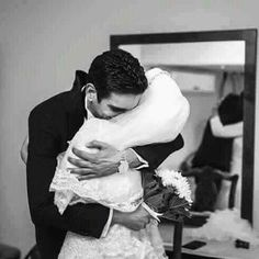 The best moment everr Muslim Couple Photography, Photography Poses, Wedding Photography, Cute Muslim Couples, Cute Couples, Wedding Couples, Wedding Photos, Wedding Ideas, Cute Hug