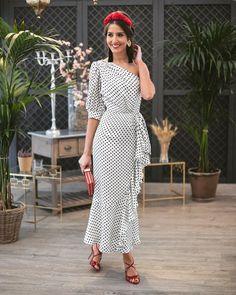 Claves para ser la invitada perfecta en las bodas de 2018 Homecoming Dresses, Party Dresses, Prom, Sandro, Shades Of Blue, Lace Dress, Style Me, Polka Dots, Women's Fashion