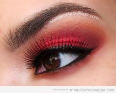 maquillarse-los-labios-de-color-violeta - Buscar con Google