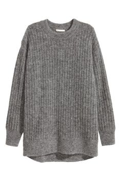 Oversized mohair-blend jumper: PREMIUM QUALITY. Oversized rib-knit jumper in a marled wool blend containing some mohair with a round neck, dropped shoulders and long sleeves. Slightly longer at the back.