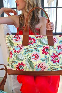 Amy Butler bag- not fond of the bag, but I WANT this fabric!!!