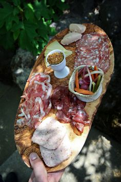 Delicious charcuterie platter for entertaining