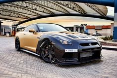 Gold and Carbon Nissan GT-R by AMS Performance